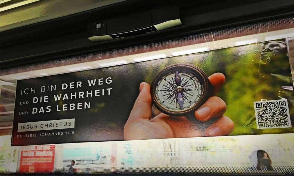 Alemania podría prohibir que se utilicen versículos de la Biblia en trenes
