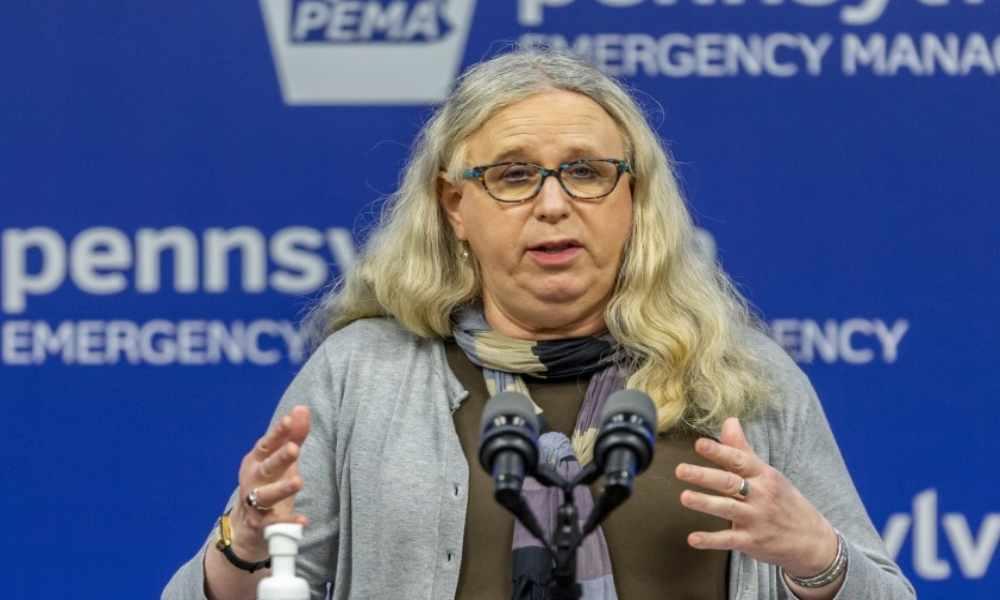 Biden designa a mujer transgénero como subsecretaria de Salud