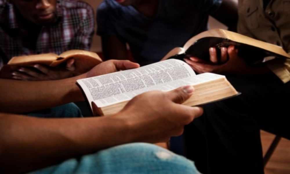 China: cristianos perseguidos reciben ayuda pastoral y bíblica