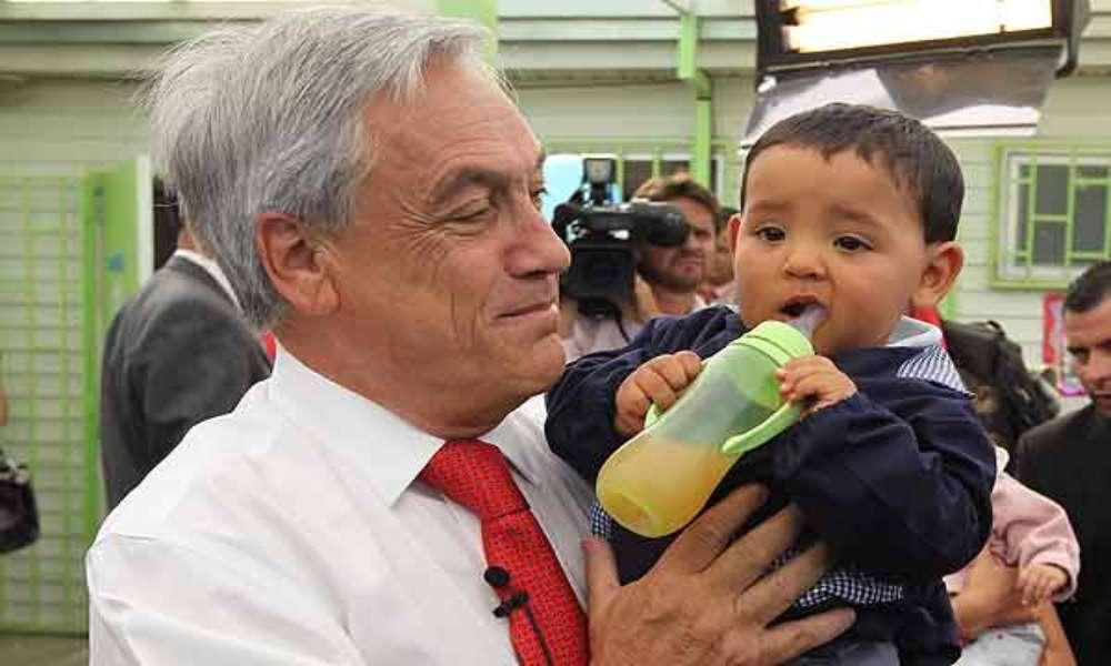 Evangélicos animan a Piñera ante presión de feministas por aprobación de aborto en Chile