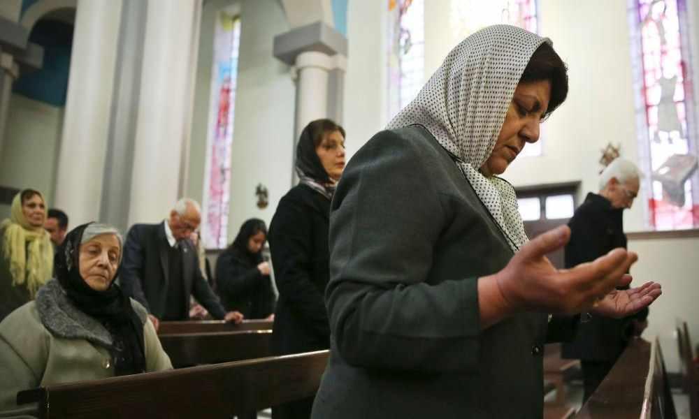 """Irán llama a las iglesias """"grupos enemigos"""" y niega persecución"""
