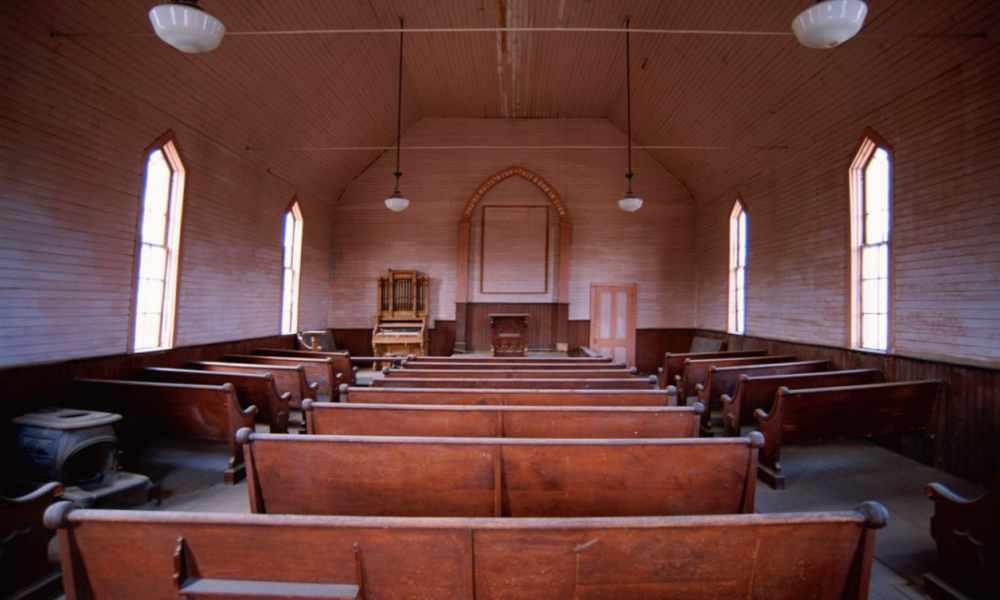 Irlanda: líderes religiosos suspenden servicios por Covid-19
