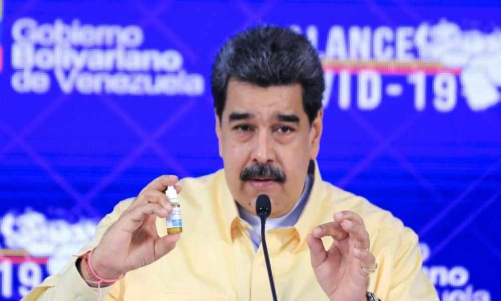 """Maduro presenta gotas """"milagrosas"""" para combatir el Covid-19"""