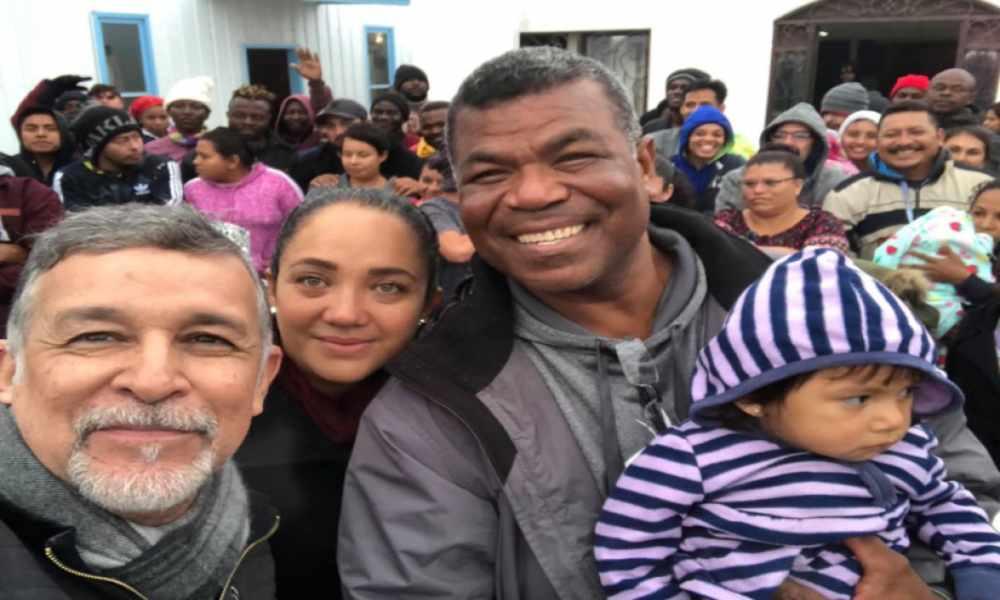 Pastor brinda refugio a más de 150 inmigrantes de EE.UU