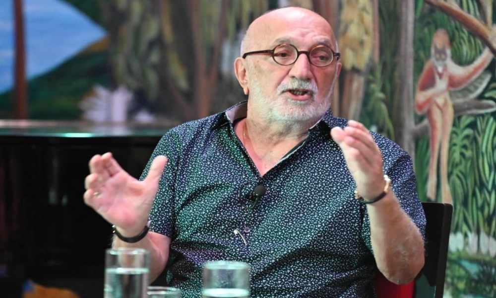 """Periodista Juan Gossaín asegura: """"La Biblia es el único libro imprescindible"""""""