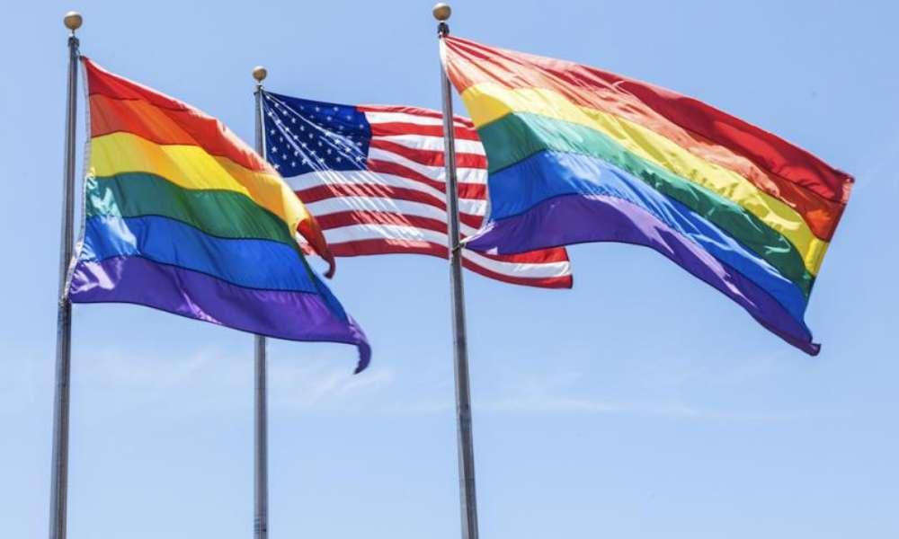 Permiten que diplomacia de EEUU use bandera LGBT en sus oficinas