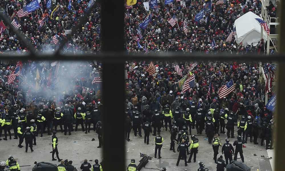 Por protestas masivas Congreso de EU suspende proclamación de Biden