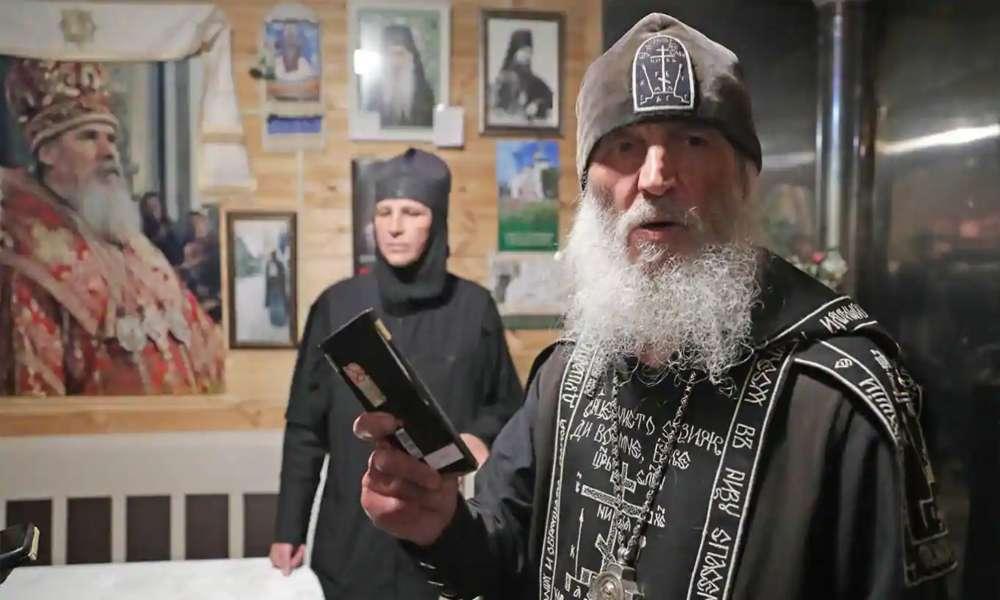 Sacerdote incita al suicidio y acusa a iglesia rusa de trabajar para el Anticristo