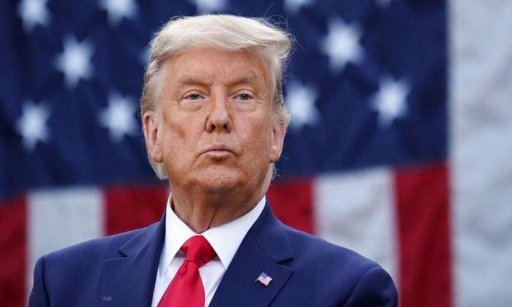 Trump dice que no asistirá a toma de posesión de Biden y líderes demócratas planean juicio político acelerado