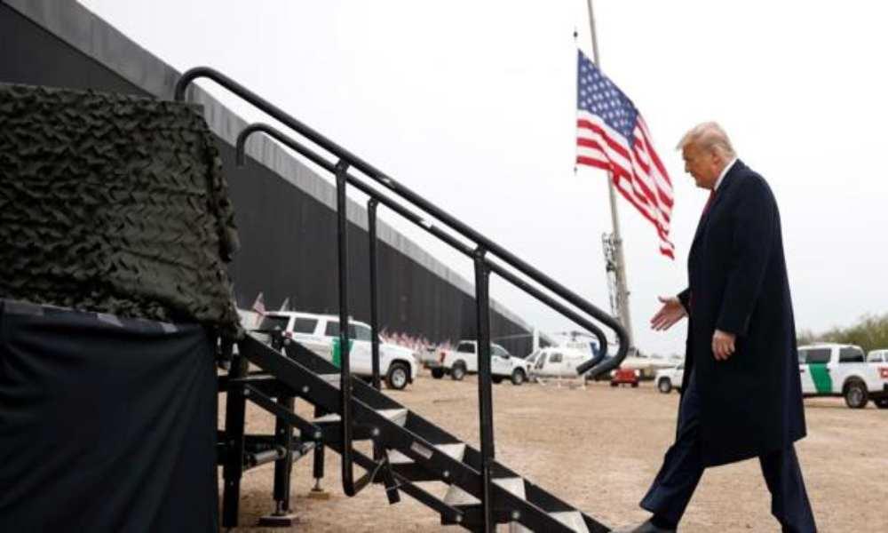 """Trump felicita a AMLO por el control migratorio y lo llama """"gran caballero"""""""