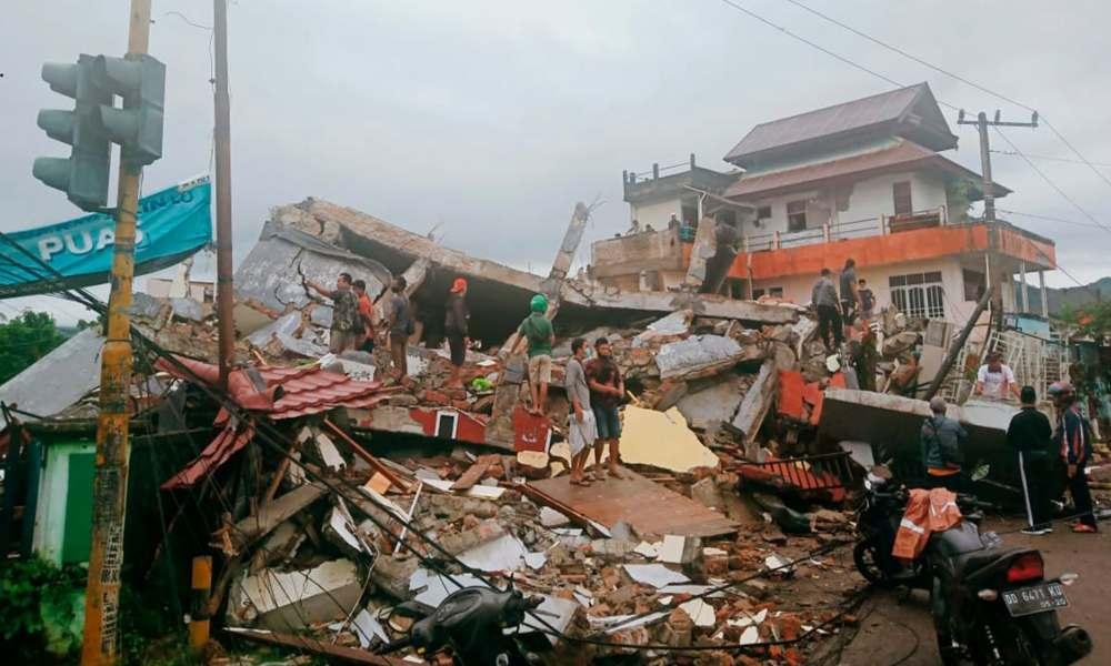 Viral: Niña Ángel rescatada tras terremoto en Indonesia que dejó 34 muertos y 637 heridos