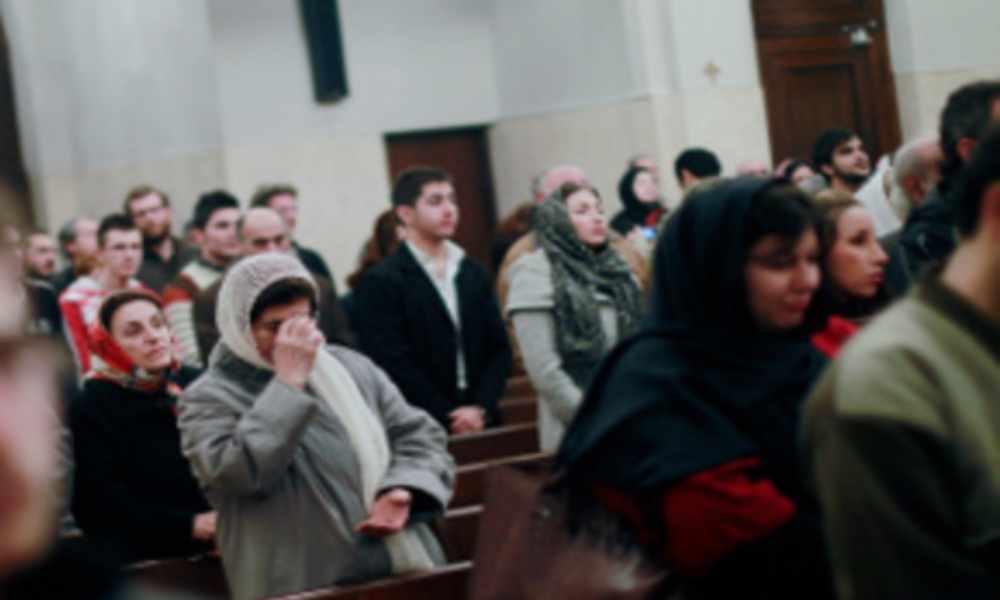 A pesar de la persecución cientos de iraníes se rinden a Cristo