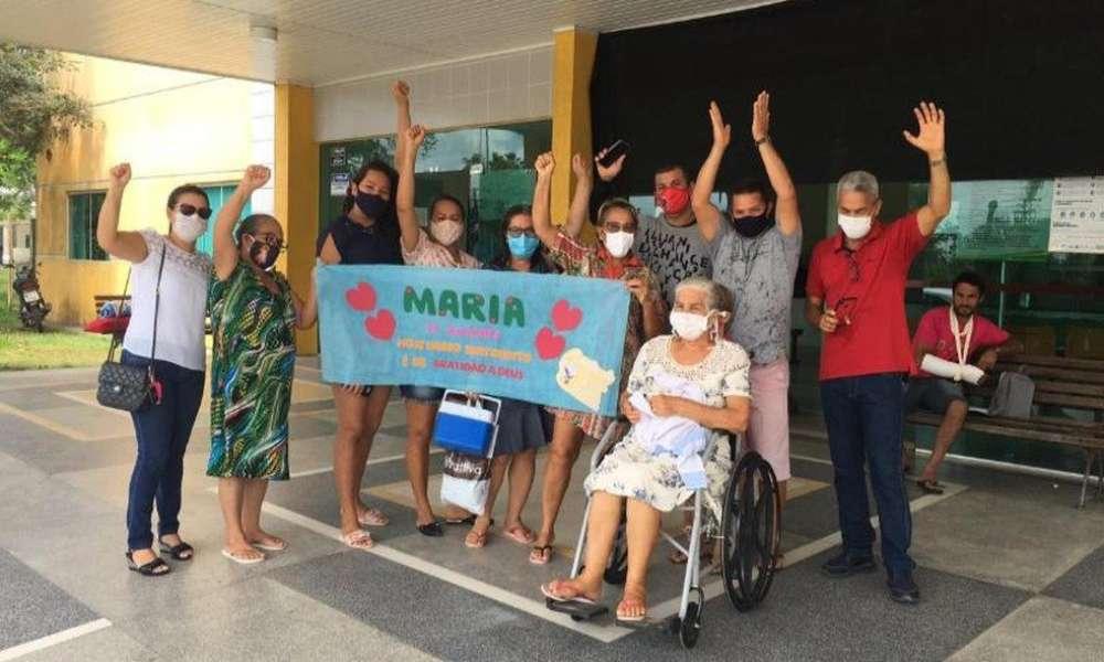 Anciana hipertensa y con diabetes glorifica a Dios tras ser curada de Covid-19
