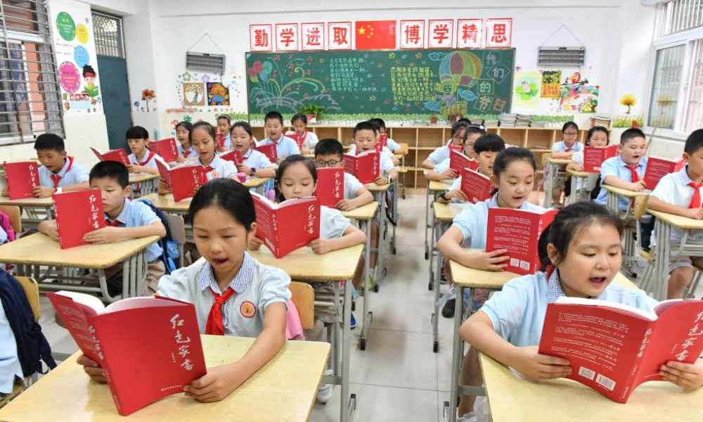 China: estudiantes son preparados para que no crean en Dios