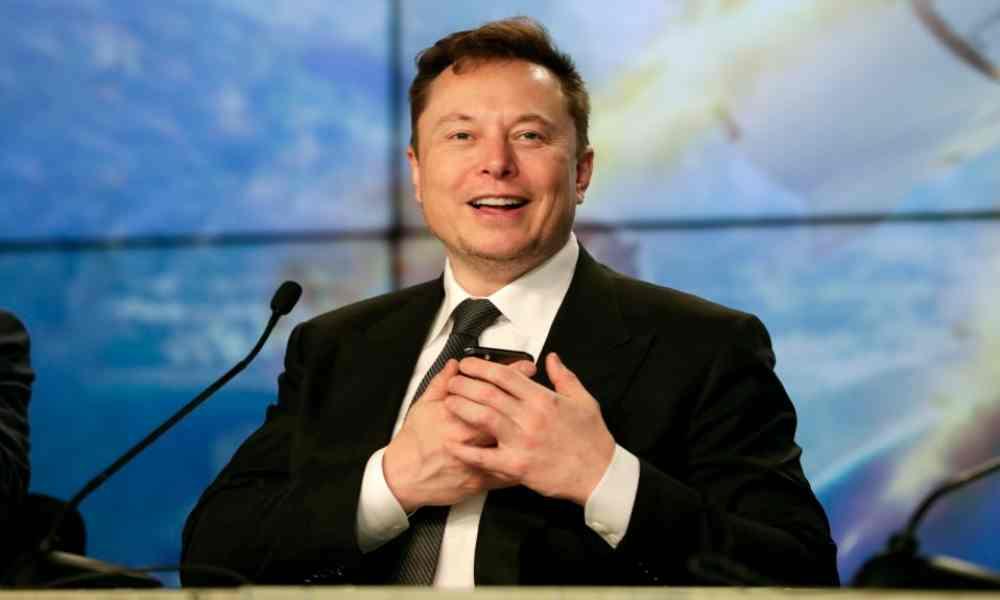 Elon Musk informa que podrían comenzar pruebas de implantación de chips en humanos