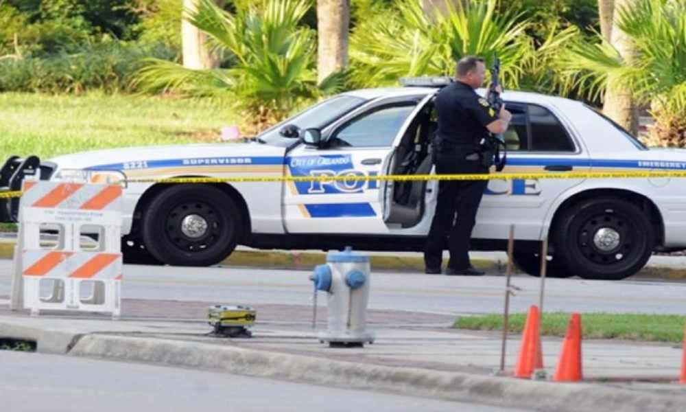 Florida: hombre es herido a bala cuando paseaba con la Biblia en mano