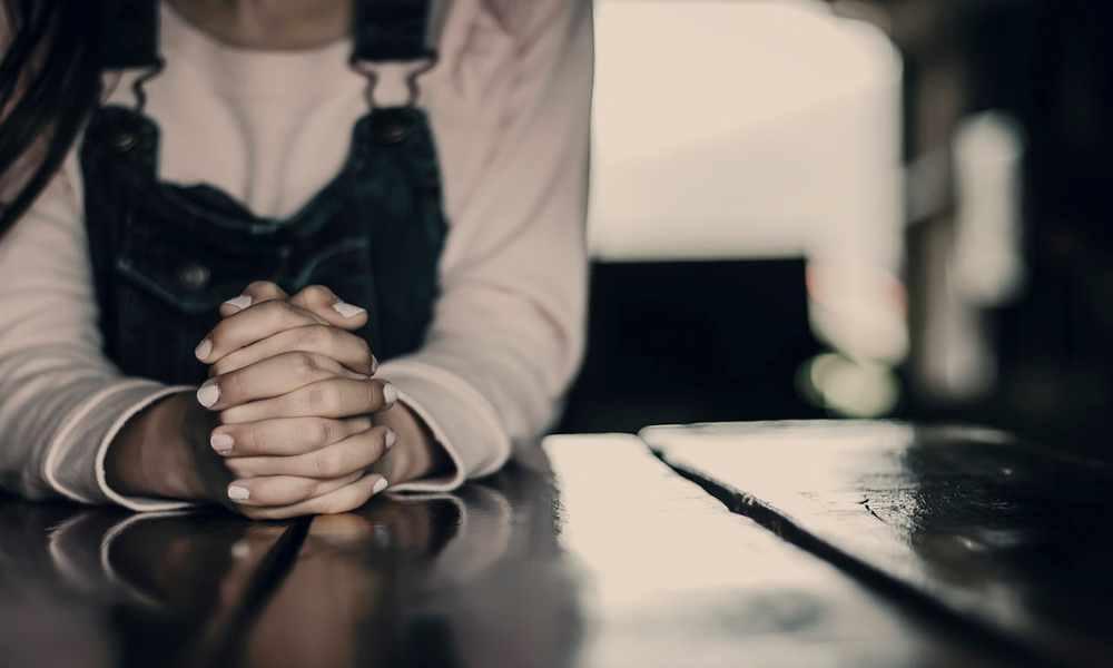 Niña cristiana es obligada y amenazada a recitar oración musulmana