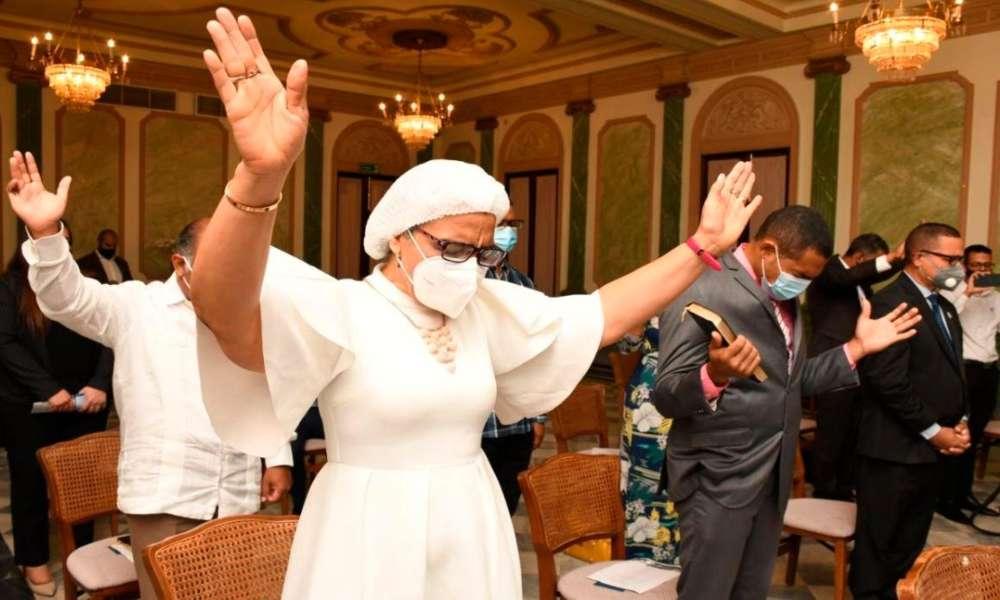 Proclaman a Dominicana como nación de Dios en el Palacio Nacional