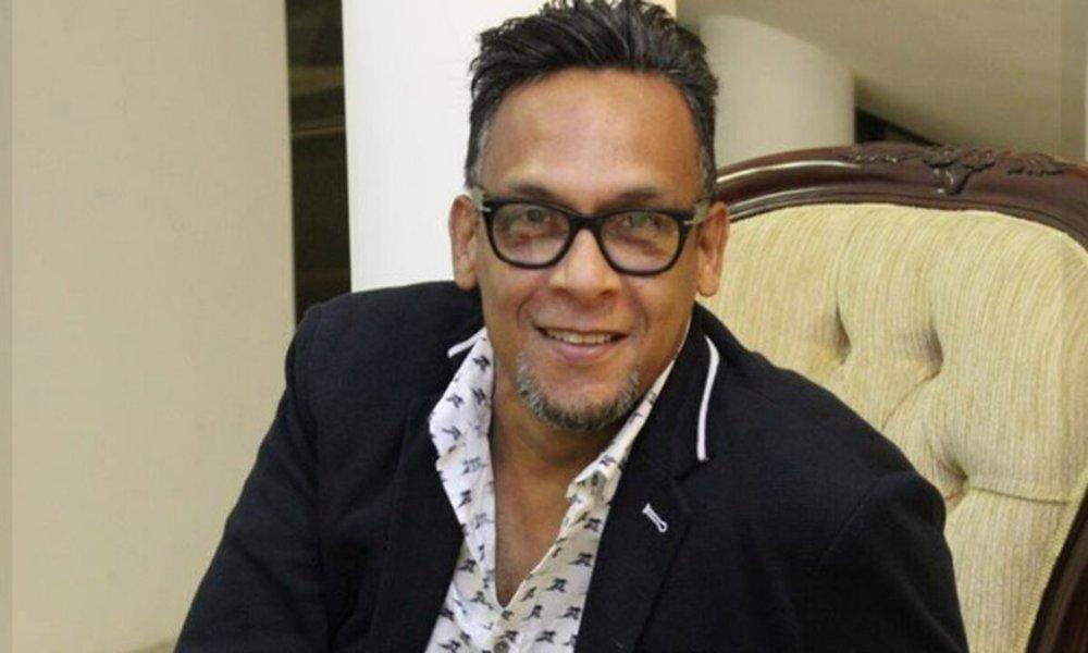 René González se recupera e inicia a componer canciones