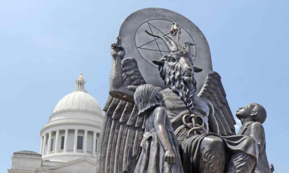 Satanistas de Arkansas luchan legalmente para levantar una estatua demoníaca