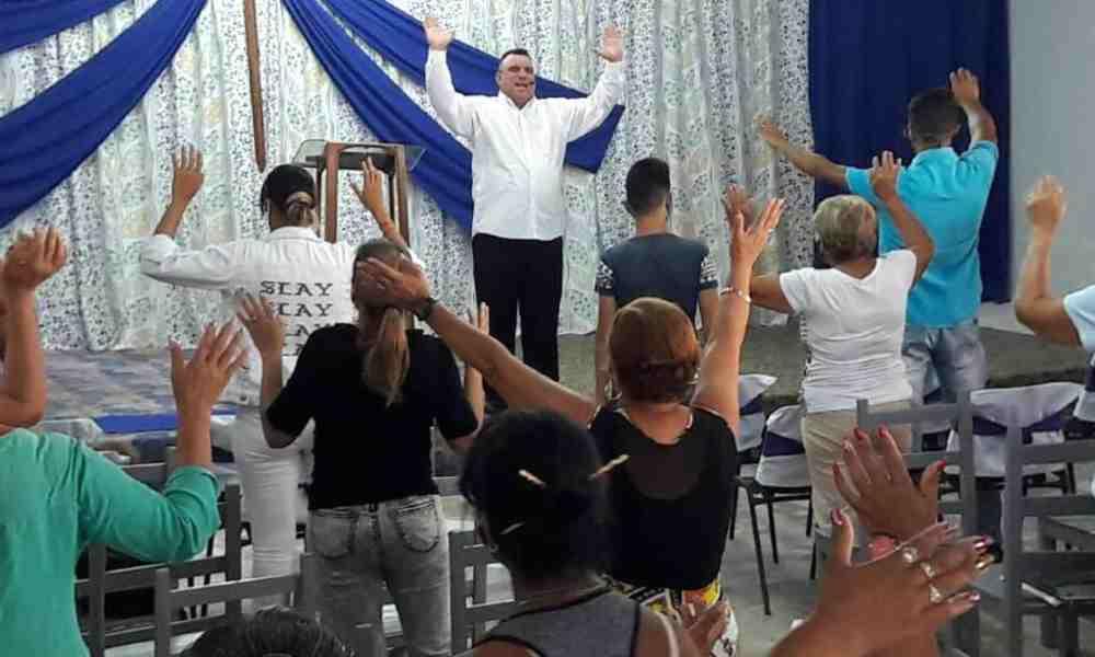 Miles de cubanos cristianos organizan vigilias y claman un cambio en su país