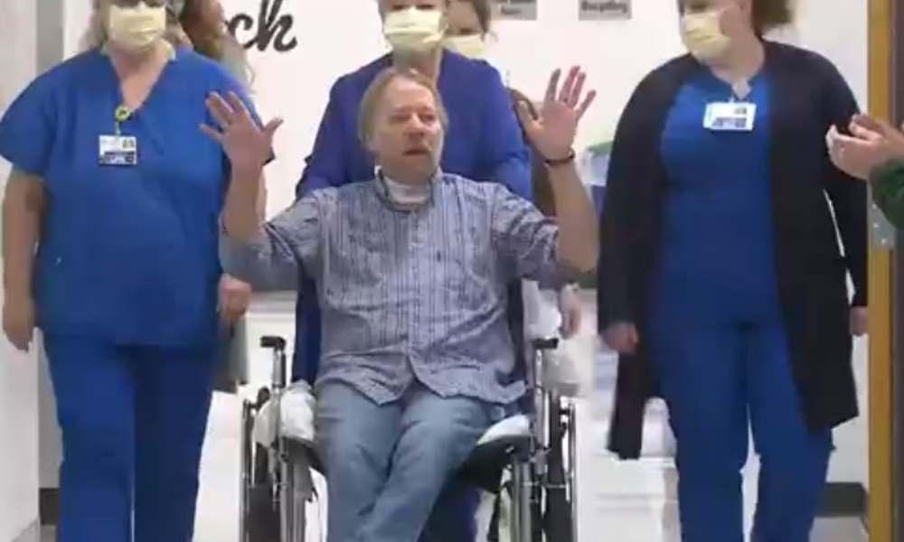 """""""Gracias Jesús, esto es un milagro"""": hombre vence el Covid-19 tras 4 meses hospitalizado"""