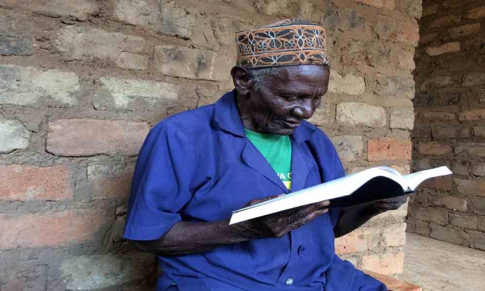 Hombre de 86 años se cura de la vista luego de tener acercamiento con Jesús