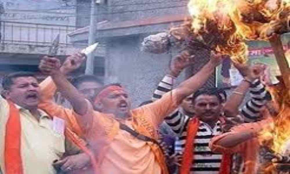 India: turba ataca a cristianos y los obliga a abandonar su fe