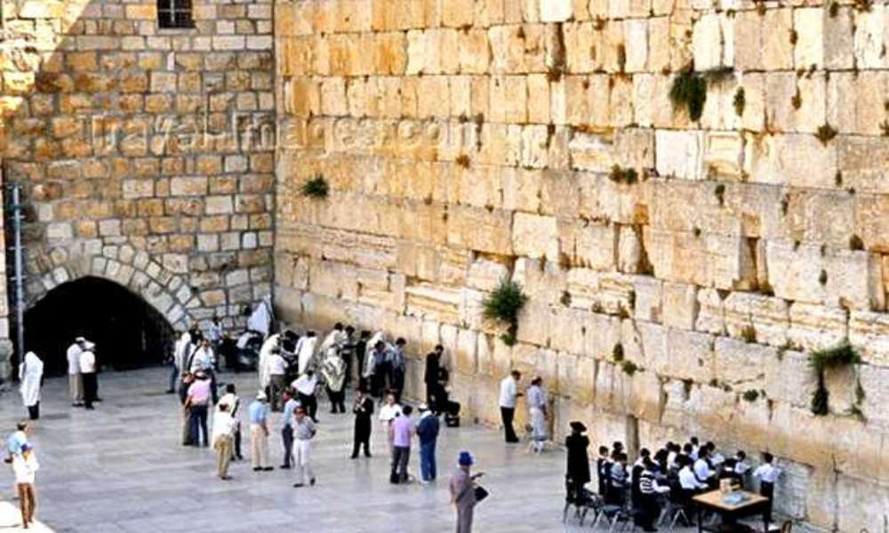 Israel reactiva su economía tras vacunar a la mitad de sus ciudadanos