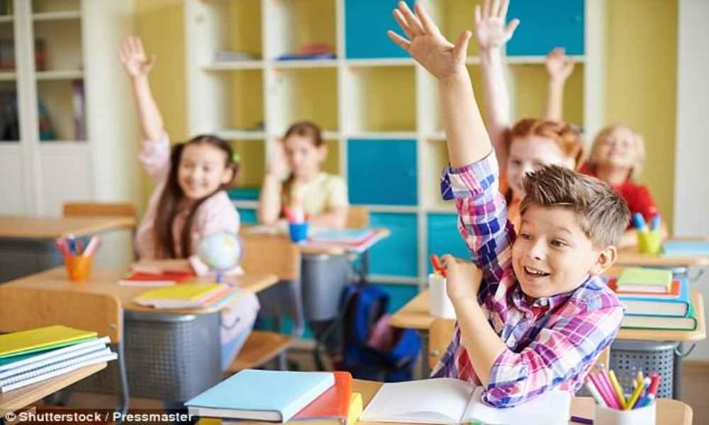 Ley en Gales obligará a escuelas a enseñar ateísmo y humanismo