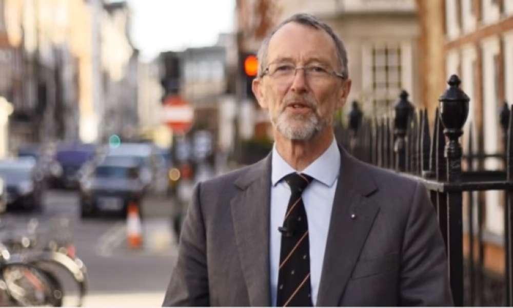 Magistrado es despedido oponerse a la adopción gay