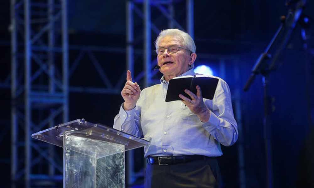 Muere el evangelista Luis Palau tras una dura batalla contra el cáncer
