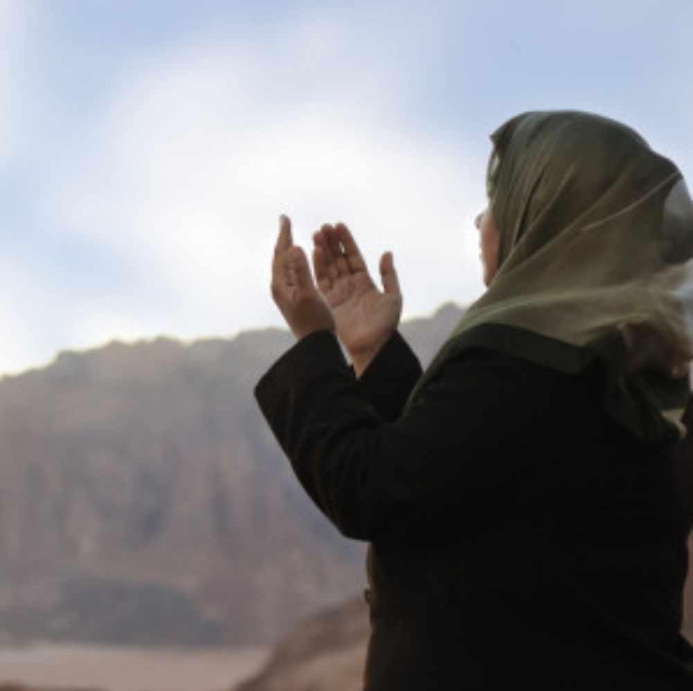 Musulmana abandona el Islam y le entrega su vida a Cristo