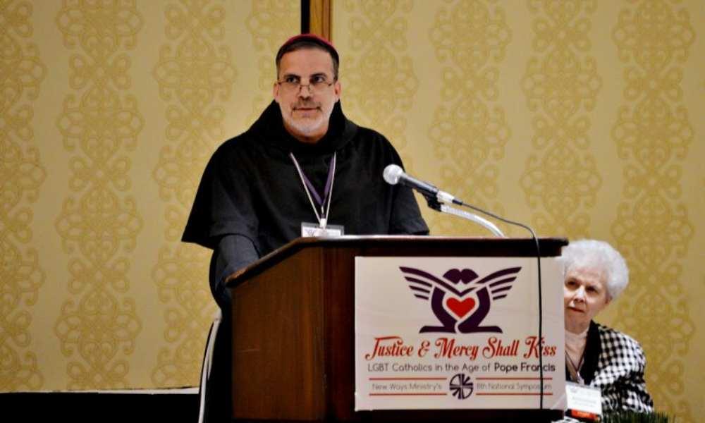 """Personas LGBTQ reflejan la imagen de Dios"", asegura obispo católico"