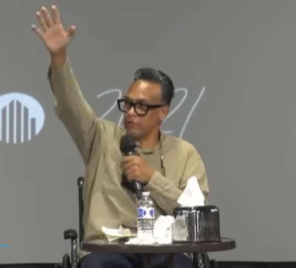 """Sentí el roce de la mano de Cristo"": emotivo testimonio de René González"