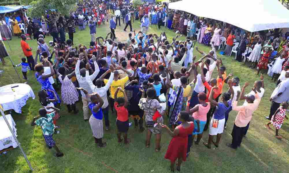 Uganda: en plantación de iglesia más de 90 almas se rindieron a Cristo