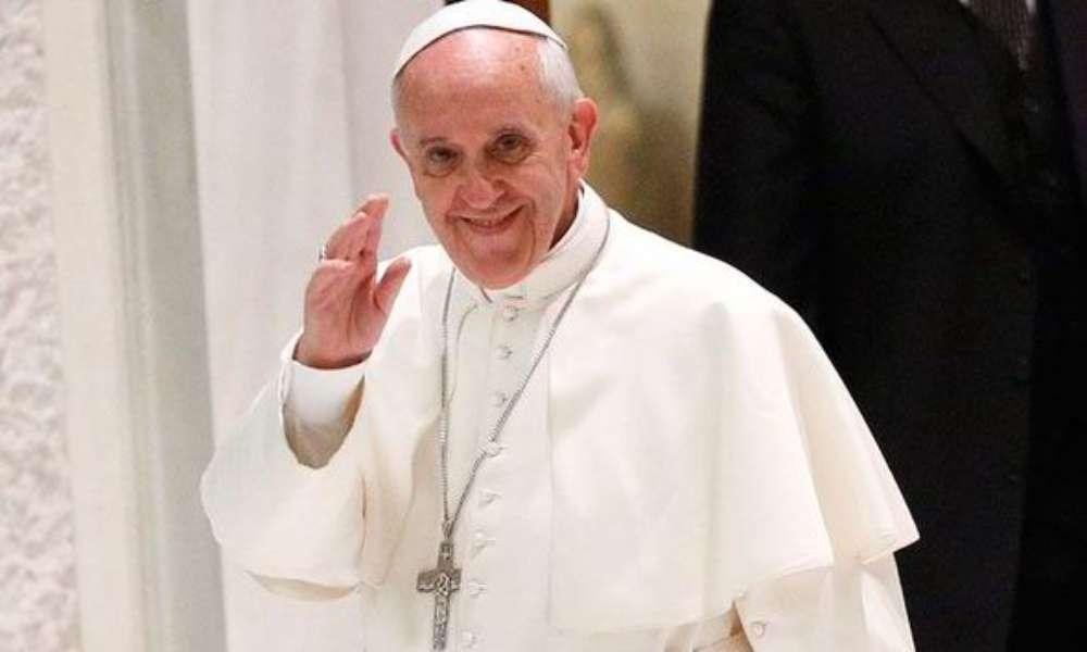 Vaticano no bendecirá matrimonio gay: Dios 'no puede bendecir el pecado'