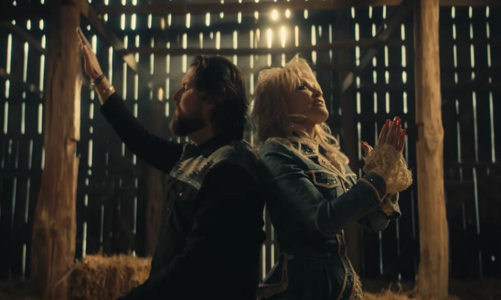 "Dolly Parton y Zach Williams ganan el Grammy con ""Ahí estabas Jesús"""
