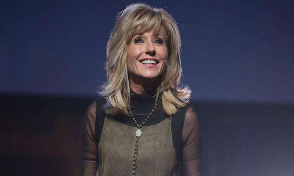 Líder de ministerio femenino asegura que Beth Moore lleva a las mujeres al mal camino