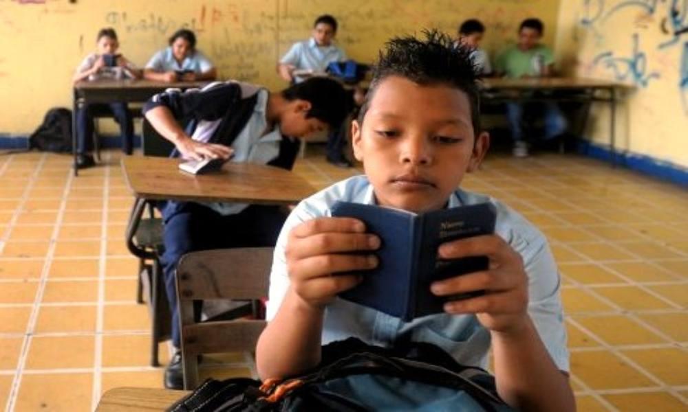 Brasil: ateos intentan evitar las lecturas bíblicas en las escuelas