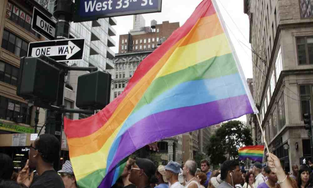 Administración de Biden celebra el Día de la Visibilidad Trans