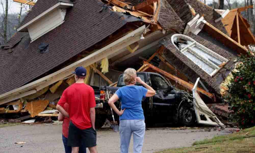 Anciana asegura que el tornado en Alabama se detuvo mientras oraba
