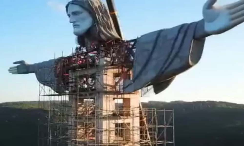 Brasil: construyen monumento de Jesús más grande que el Cristo Redentor