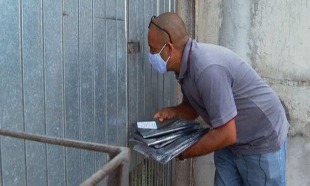 Brasil: pastor vende bolsas de basura para pagar gastos de la iglesia