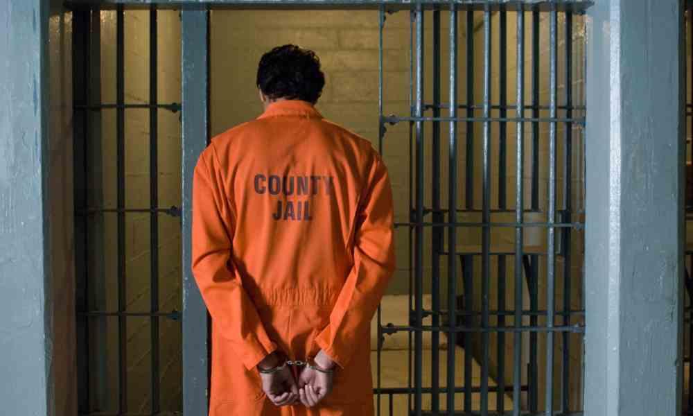"""Canadá: 6 meses de cárcel al padre que se negó a llamar """"hijo"""" a su hija"""