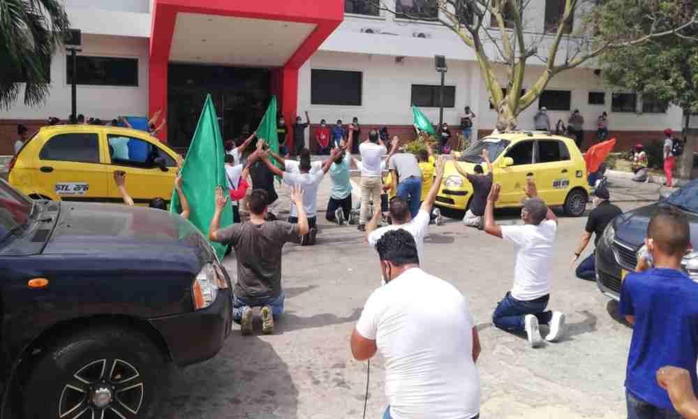 Cristianos de Barranquilla se rinden a Cristo y piden sanidad