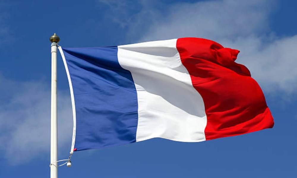 Francia: detienen a una mujer sospechosa de planear un bombardeo en una iglesia