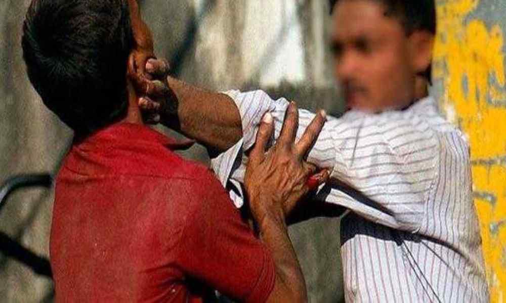 India: pastor y su esposa fueron atacados con palos mientras oraban