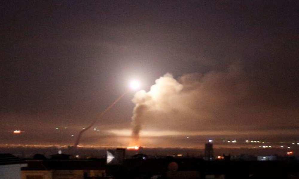 Israel y Siria intercambian ataques con misiles y uno cae cerca de reactor nuclear