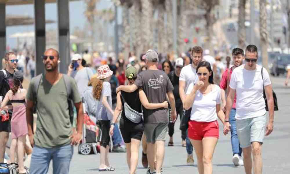 Los ciudadanos de Israel pueden salir nuevamente sin mascarillas